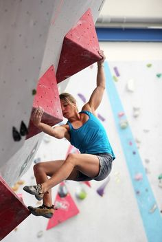 www.boulderingonline.pl Rock climbing and bouldering pictures and news Mirthe van Liere. Ge