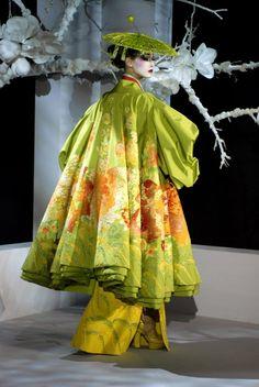 John Galliano for Christian Dior Haute Couture, Spring Dior Haute Couture, Couture Mode, Style Couture, Couture Fashion, Runway Fashion, John Galliano, Galliano Dior, Beauty And Fashion, Fashion Art