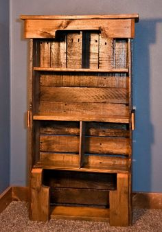 Wooden Pallet Bookshelf DIY - Pallet Furniture Plans