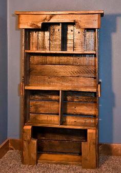 Wooden Pallet Bookshelf DIY - Pallet Furniture Plans