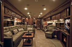 Itasca Meridian 40U - REALLY! This is a motorhome? WOW