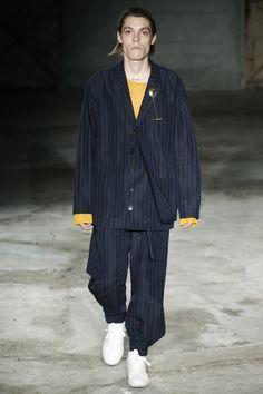 f384d9f1c86e Damir Doma Spring 2018 Menswear Fashion Show. Дамир ДомаМужская МодаНедели  Моды В МиланеВзлетно ...