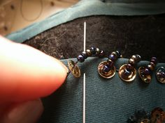 Beading Tutorial I need to learn this.
