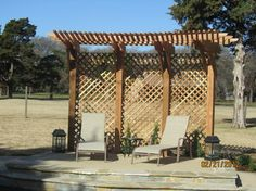 patio privacy screen using recycled cedar posts readers gallery fine woodworking creating exterior privacy pinterest patio privacy screen - Patio Privacy Ideas