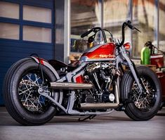 Bobber Any personalized motorcycle can be a specialized motorbike using the shape geometry or maybe Softail Bobber, Harley Softail, Harley Bobber, Harley Bikes, Harley Davidson Street Glide, Bobber Motorcycle, Bobber Chopper, Cruiser Motorcycle, Harley Davidson Sportster