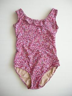 DIY swimsuit! I think I want to try this...I can't find any that I really like
