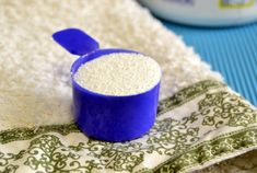 For keeping your toilet fresh and germ-free at home try this simple homemade toilet cleaner tablet recipe. Deep Cleaning Tips, House Cleaning Tips, Cleaning Solutions, Spring Cleaning, Cleaning Hacks, Green Cleaning, Tablet Recipe, Oxygen Bleach, Homemade Toilet Cleaner