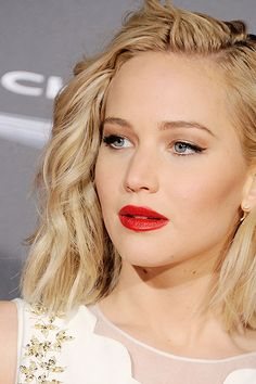 Jennifer Lawrence gods she's beautiful! Jennifer Lawrence gods she's beautiful! Le Style Jennifer Lawrence, Jennifer Lawrence Makeup, Jennifer Lawrence Instagram, Jenifer Lawrance, Katniss Everdeen, Hollywood Celebrities, Woman Crush, Beautiful Actresses, Makeup Looks