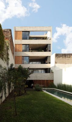 Image 1 of 11 from gallery of Dos Patios / Florencia Rausch + Susana Barra + Barbara Moyano. Photograph by Gustavo Sosa Pinilla Architecture Office, Futuristic Architecture, Residential Architecture, Chinese Architecture, Architecture Details, Arch Building, Building Design, Argentine, Small Buildings