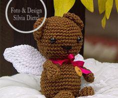 Häkle jetzt gleich gratis los, denn einen süßen kleinen Bären mit Engelsflügeln dran brauchst Du unbedingt. Der kleine Engelbär ist total süß. Leg los.