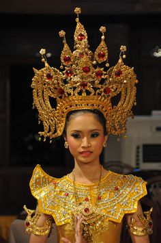 Thai dancer with Apsara diadem crown