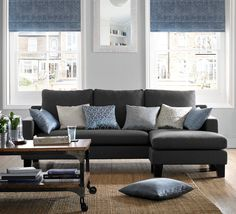 1000 plus options in soft fabrics to chose from, our range of fabrics for roman blinds are ideal for combining beauty with practicality. Available with standard or black out lining for extra light control, roman blinds are the modern alternative to curtains.