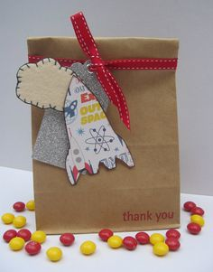 Rocketship party favor bags with sweet hand stitched felt cloud 4th Birthday, Birthday Ideas, Birthday Parties, Bomboniere Ideas, Christening Themes, Party Themes, Party Ideas, Outer Space Party, Space Theme