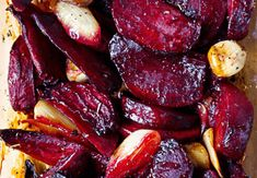 Excellent as a side dish, but also as a perfect and healthy dinner. My husband does not like beetroot, but when I prepared it like this, he ate her whole plate. ingredients: ½ kg small beetroot 1 bigg Italian Chicken Dishes, Red Beets, Jamie Oliver, Beetroot, Pot Roast, Italian Recipes, Side Dishes, Food And Drink, Veggies