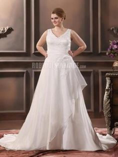Sans manches robe de mariée de grande taille en satin ornée de perles et d'appliques [#ROBE2013060] - robedumariage.com