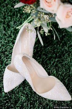 Wedding shoes ideas - close toe, heels, beads, beige, nude, taupe {Erika Cardoso}