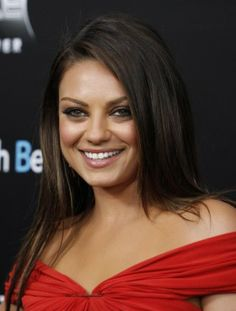 Couple News: Mila Kunis, Ashton Kutcher Bring Romance to a Wrestling Match - Entertainment & Stars http://au.ibtimes.com/articles/531663/20131224/couple-news-mila-kunis-ashton-kutcher-bring.htm#.UrxNaM6HM9A
