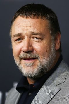 Russell Crowe in 2018 at a red carpet event. The New Zealand born actor grew up and spent most of his life in Australia. Big Daddy Bear, Gladiator Movie, Big Boyz, Russell Crowe, Australian Actors, Bear Men, Mature Men, Thing 1, Classic Films