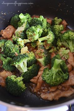 Chinese Chicken & Broccoli - this recipe was even better than the restaurant version. Big hit with the family! Asian Recipes, Great Recipes, Dinner Recipes, Healthy Recipes, Broccoli Recipes, Chicken Recipes, Crockpot Chicken Broccoli, Sin Gluten, Chinese Chicken