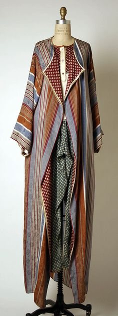 Though it's design is later, I can SO SEE Phryne Fisher rocking this duster!!! Geoffrey Beene,  1980-1982.