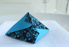 How to Make a Fortune Pouch That Your Guests Will Love #origamibox #easyorigami #partyfavor