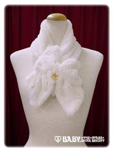 リボンとパールのファーマフラー/Ribbon and pearl fur muffler   BABY,THE STARS SHINE BRIGHT  7,452 yen / $74  5 colors (2 available)