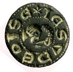 man's head with bird's long-neck -- which appears to issue from his head -- pecking his chin [for visual motif, cf. the IE SV NV TEL seal below, and adjacent seal] Legend; IE SV DEOISE -- plainly for IE SV DEGISE.    PAS SUR-IF2277