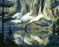 The Top 5 backpacking trips in the Canadian Rockies - Floe Lake on the Rockwall Trail, Kootenay National Park