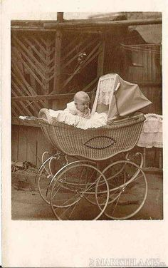 Vintage Pram, Prams And Pushchairs, Baby Buggy, Dolls Prams, Mini Ma, Miscellaneous Things, Baby Carriage, Vintage Photography, Bassinet