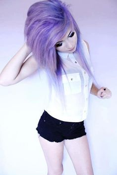 nice Love her hair and the outfit❤ scene hair emo hairstyle. Lavender Hair, Lilac Hair, Violet Hair, Gray Hair, Pretty Hairstyles, Girl Hairstyles, Scene Hairstyles, Updo Hairstyle, Wedding Hairstyles