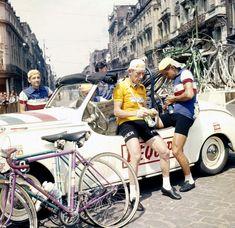 Roger Walkowiak and friends, chilling Tour de France 1956