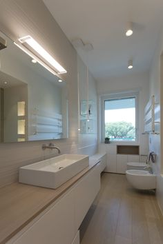Home Remodeling Ideas Renovation Mirror 62 Ideas Style At Home, Home Office Shelves, Home Styles Exterior, String Lights In The Bedroom, Window In Shower, Trendy Home, Bathroom Interior Design, Bars For Home, Modern Bathroom