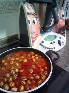 Caracoles en salsa con thermomix 31 Tapas, Food To Make, Chili, Curry, Soup, Cooking, Ethnic Recipes, Gastronomia, Salads