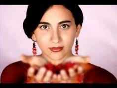 Marta Gomez sings Cielito lindo - a pretty interpretation of this song (lyrics  and translation at...    http://www.mamalisa.com/?t=es=3222=50