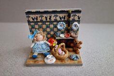 Tumima Dolls New Pins, Miniature Dolls, Toys, Holiday Decor, Frame, Handmade Dolls, Pocket, Handmade Items, Miniatures