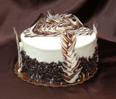 Cake Chocolate Decorations For Cakes Decoration cake with Cigarellos chocolate White Chocolate Truffles, Chocolate Pictures, Dessert Decoration, Chocolate Decorations, Chocolate Recipes, Vanilla Cake, Yummy Treats, Cake Decorating, Decorating Ideas