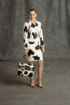 Moschino Pre-Fall 2014 Fashion Show Jeremy Scott, Moschino, Nice Dresses, Dresses For Work, Amazing Dresses, Leopard Print Outfits, Animal Print Fashion, Animal Prints, Fashion Show