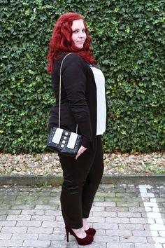 Curvy Sequins - Plus Size Outfit & Nail Design Blog  I'm liking her blog photos. She's got close to the same body shape as me and of course the screaming red hair that I love!