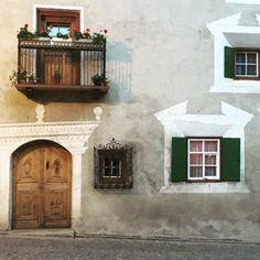 #bergün #engadinerhaus Instagram, Home Decor, Decoration Home, Room Decor, Home Interior Design, Home Decoration, Interior Design