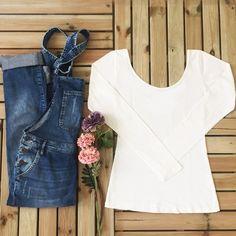 Sadelik... #simpleisthebest #basic #basictee #tee #white #jumpsuit #detail #flowers #jean #organic #organik #organniccotton #cotton #lifestyle #keepitsimple #fashion #women #girl