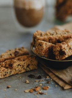 HONEY MUESLI RUSKS | Christine Capendale Cakes and Catering Buttermilk Rusks, Baking Recipes, Cookie Recipes, Rusk Recipe, Healthy Biscuits, Tea Loaf, Homemade Muesli, Homemade Breads, Cake Flour