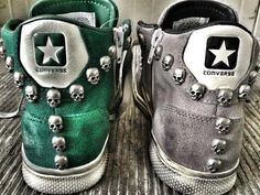 Converse with skull studs Studded Converse, Converse All Star, Converse Shoes, Grey Converse, Custom Converse, Converse Tumblr, Cute Shoes, Me Too Shoes, Skull Fashion
