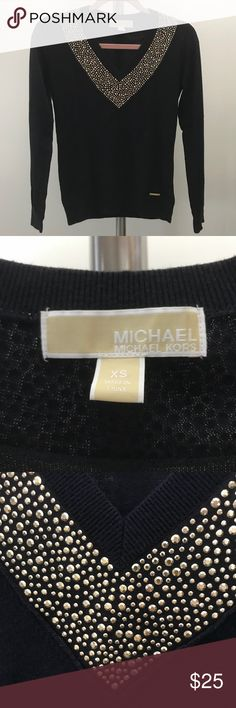 Michael Kors v neck sweater Very warm and soft sweater from Michael Kors. I love this jumper but it doesn't fit me anymore. It is navy blue with gold studs.   If you have any questions please feel free to ask! I consider all offers. 😊  #gmisels #michaelkors #mk #michaelkorssweater #michaelkorsclothes #michaelkorsclothing #sweater #jumper #cardigan #studs #studded #blue #warm #soft #forever21sweater #ae #brandymelville #vs #asos #hm #tobi #crewneck #winter #fall Michael Kors Sweaters V-Necks