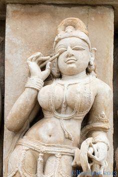 Indian Gods, Indian Art, Khajuraho Temple, Hampi, Hindu Temple, Indian Temple Architecture, Hindu Statues, Indian Classical Dance, Chef D Oeuvre
