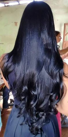 24 Long Wavy Hair Ideas That Are Freaking Hot in 2019 - Style My Hairs Beautiful Long Hair, Gorgeous Hair, Long Dark Hair, Super Long Hair, Hair Color For Black Hair, Silky Hair, Great Hair, Wavy Hair, Pretty Hairstyles