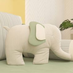 The elephant cushion is comfortable and playful, bringing to the baby room decor even more personali Small Pillows, Baby Pillows, Kids Pillows, Animal Pillows, Sewing Toys, Baby Sewing, Diy Teddy Bear, Teddy Bears, Elephant Cushion