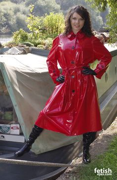 Red Raincoat, Vinyl Raincoat, Raincoat Jacket, Plastic Raincoat, Plastic Pants, Plastic Mac, Imper Pvc, Shiny Boots, Raincoats For Women