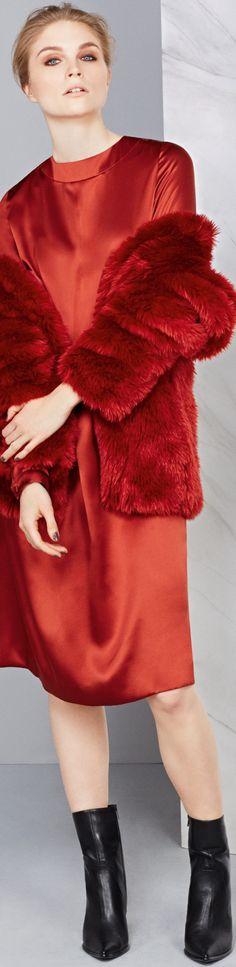Pantone Aurora Red fall 2014 - http://www.boomerinas.com/2014/05/25/pantone-fall-winter-2014-15-clothing-colors-not-my-faves/