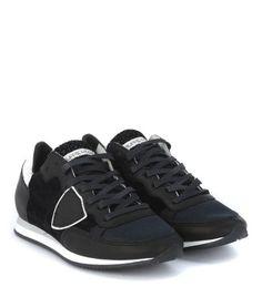 73806c5e51a9 28 meilleures images du tableau Sneakers - baskets