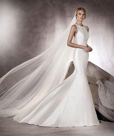 Agnes - Vestido de noiva em mikado, corte sereia e pedraria